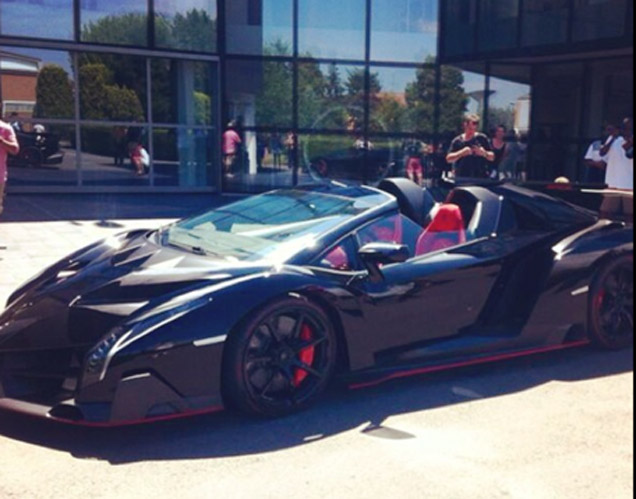 lamborghini veneno black and orange. lamborghini veneno black and orange