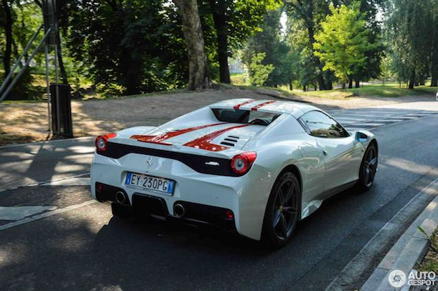 Ciao Bella! Ferrari 458 Speciale Aperta in Milaan
