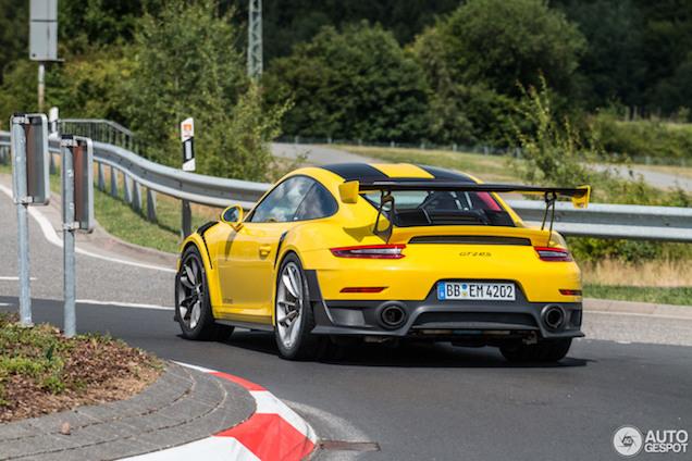 Eerste spot: Porsche 991 GT2 RS (in het geel!)