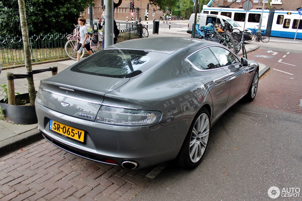 De Aston Martin Rapide is de gezinsauto die je wil hebben!