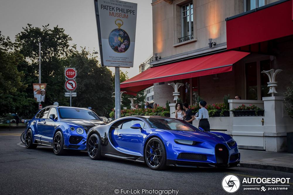 Blauwe combo in Genève doet het lekker
