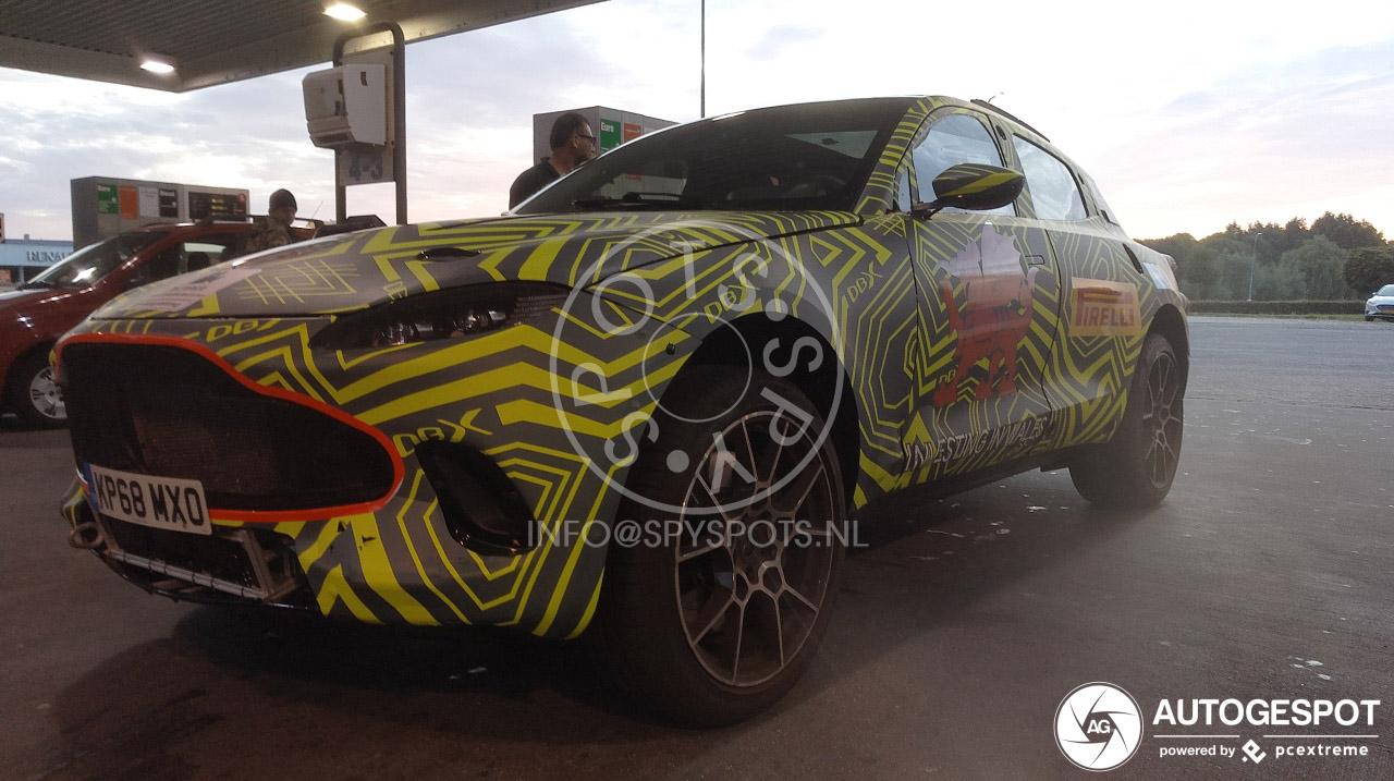 Aston Martin test de DBX ook in Nederland