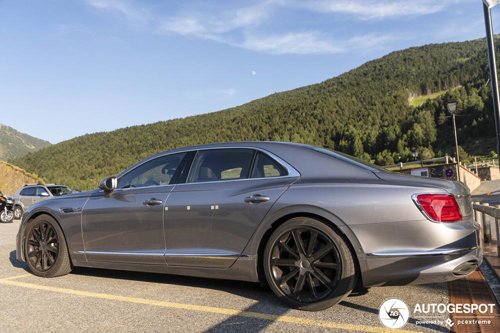 Primeur gespot! De nieuwe Bentley Flying Spur