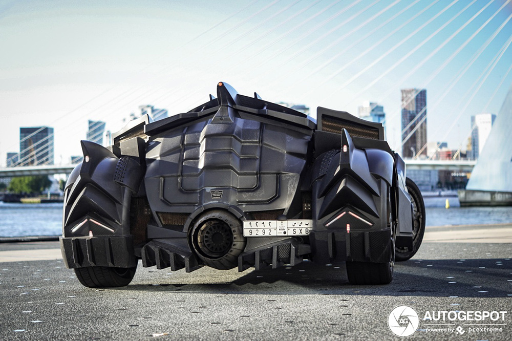Batmobile by Galag rijdt door Nederland