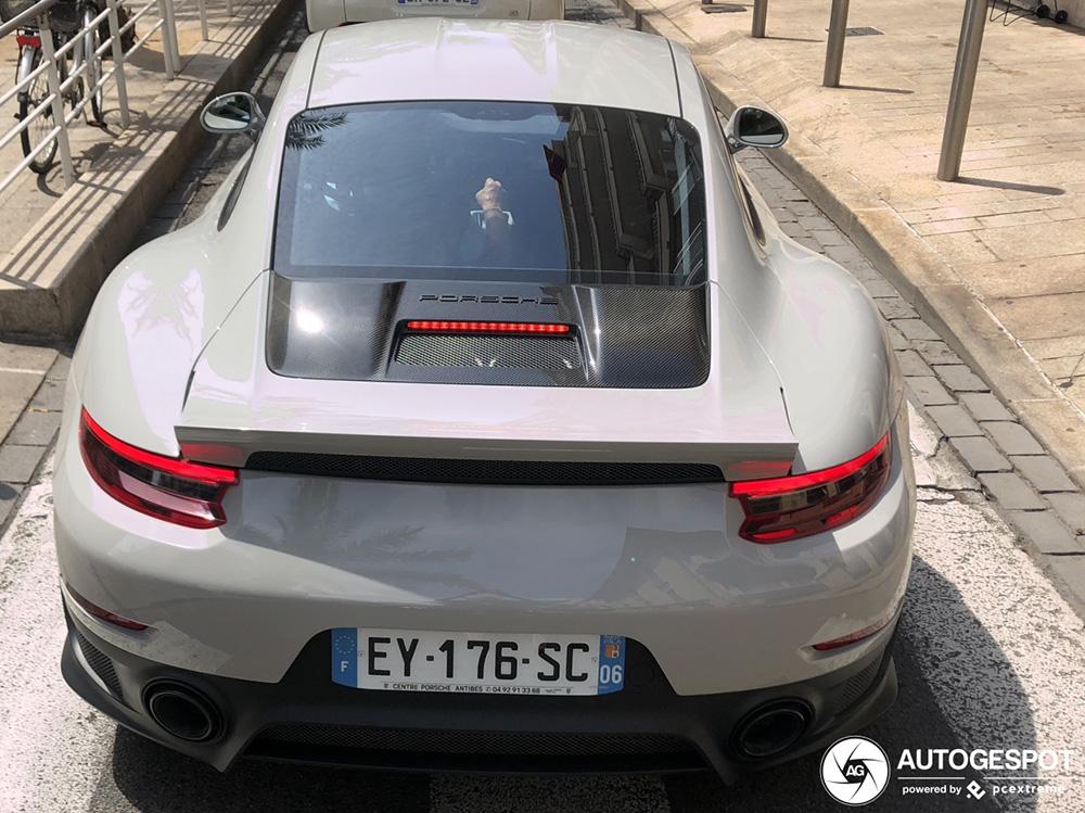 Weer een vleugelloze Porsche 991 GT2 RS