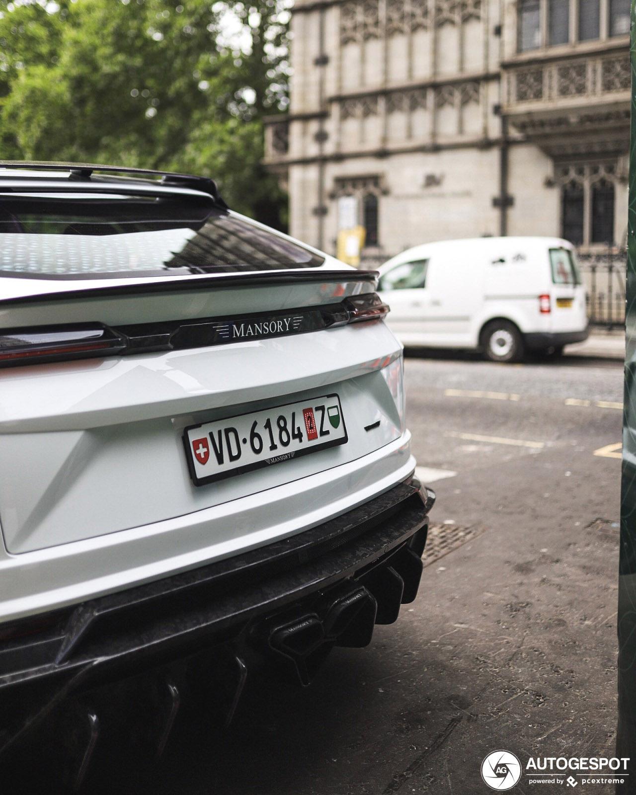 Lamborghini Urus Mansory Venatus is geland in Londen