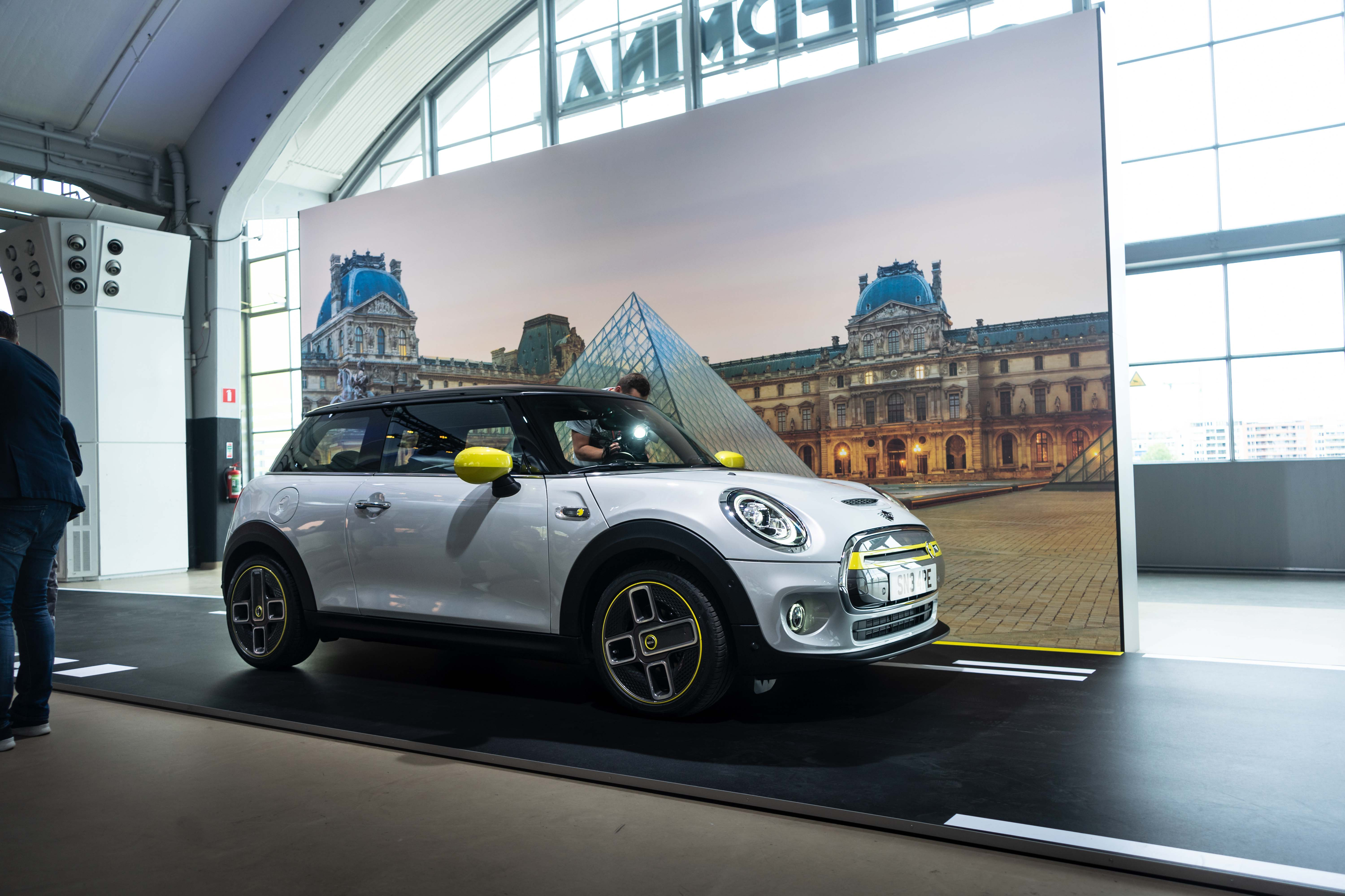 De nieuwe Mini Cooper SE is hier!