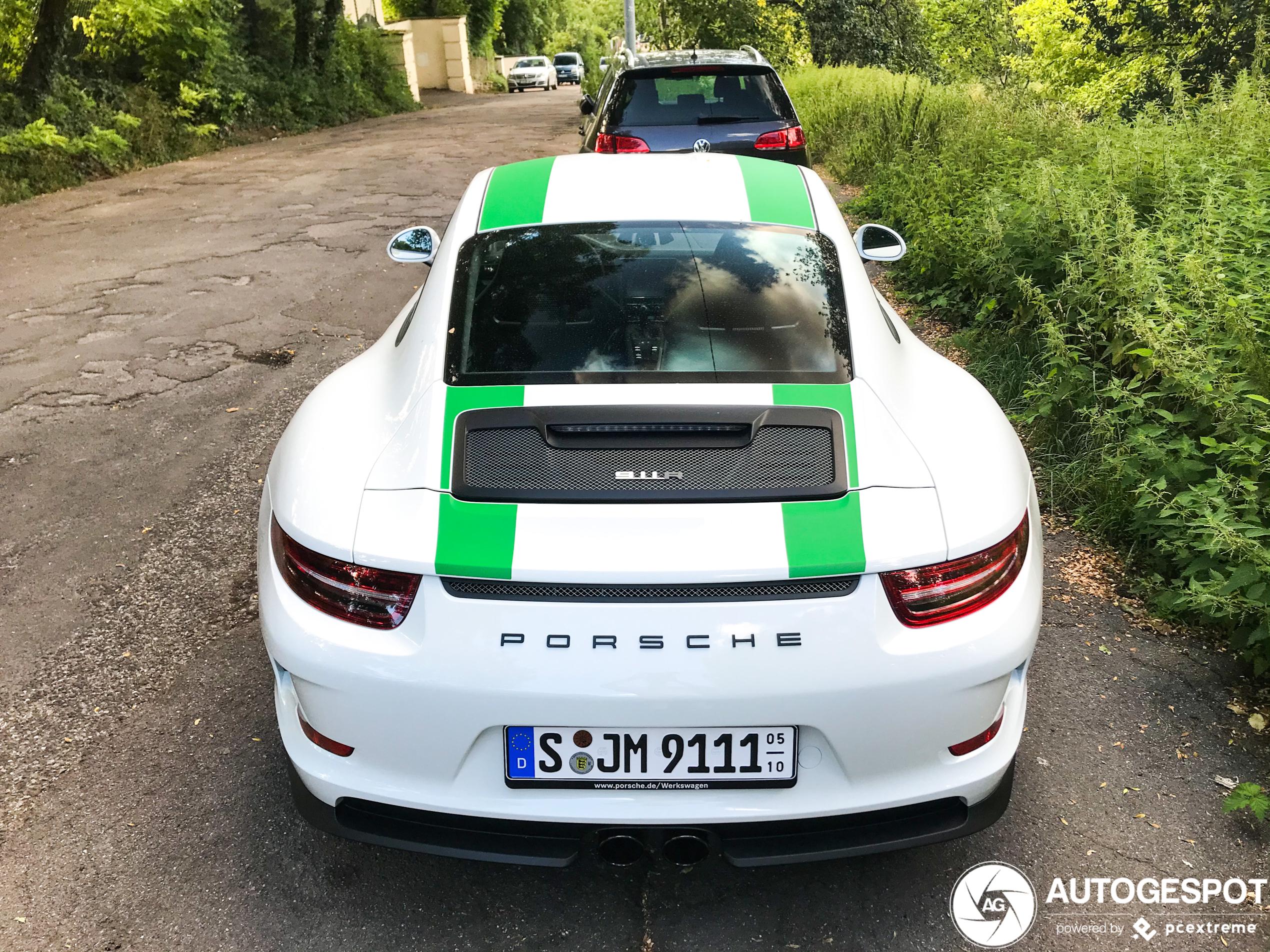 Did the Porsche 911 R lose his magic?