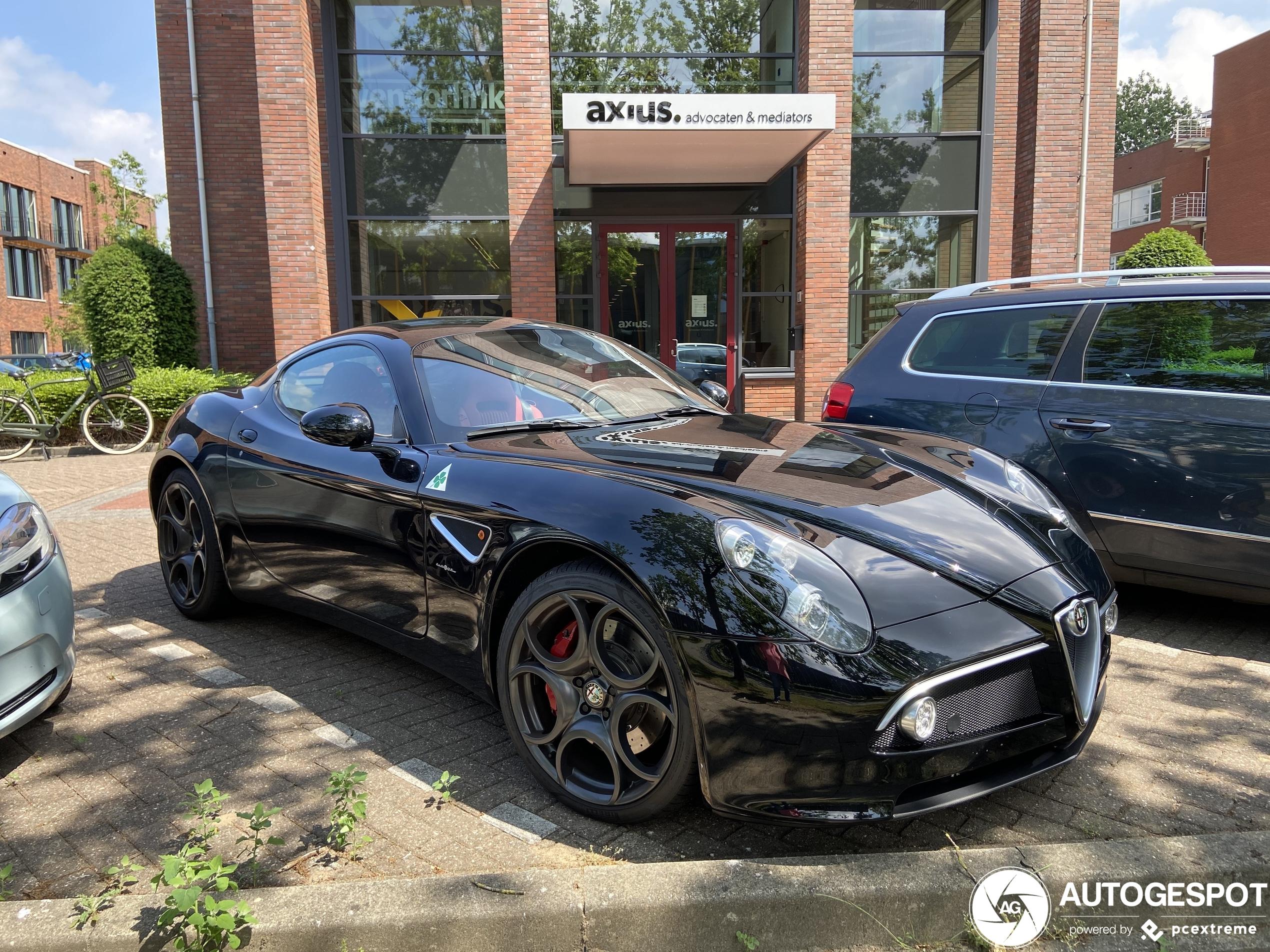 Nederland is weer een Alfa Romeo 8C Competizione rijker