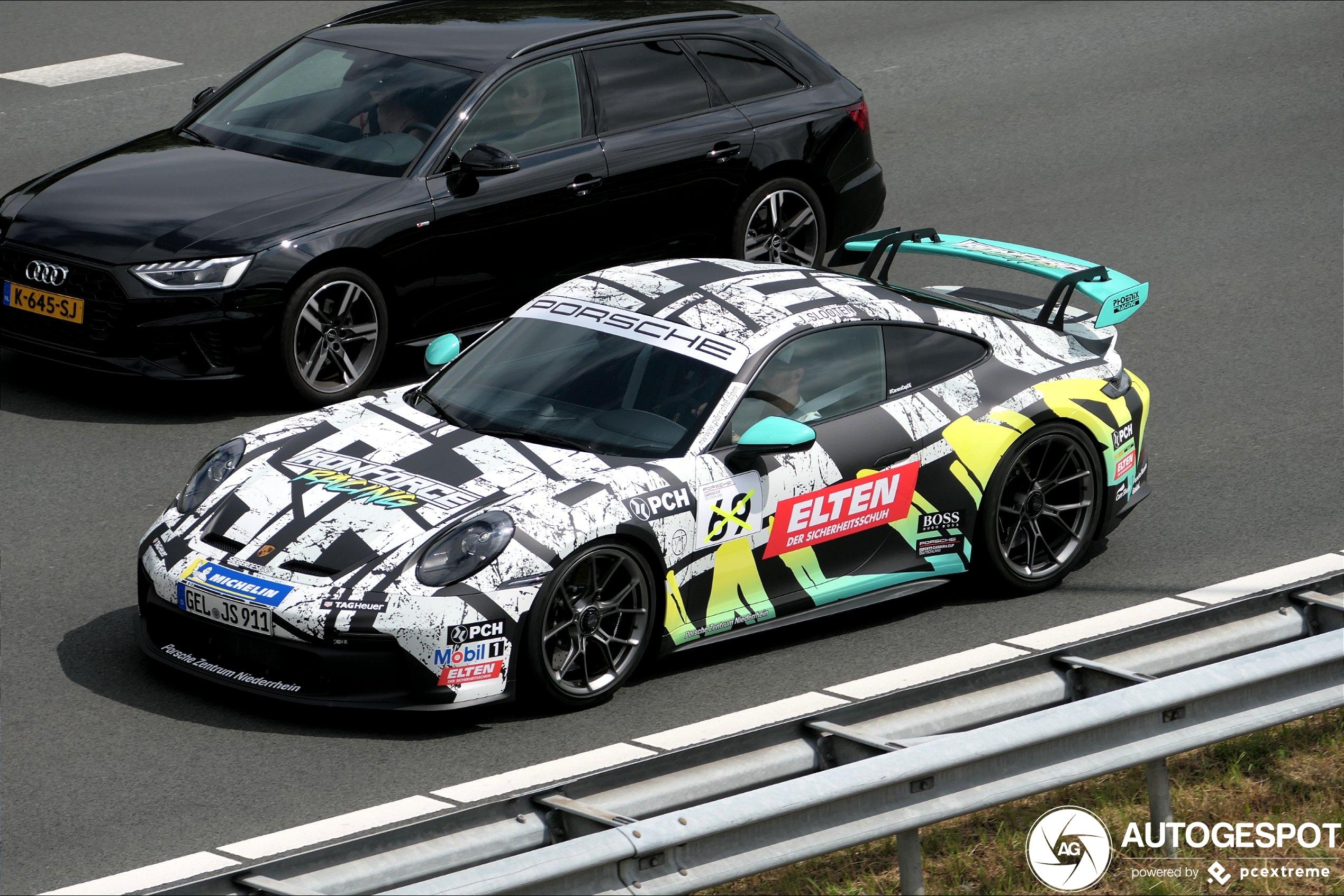 Het gaat ziedend hard met de Porsche 992 GT3