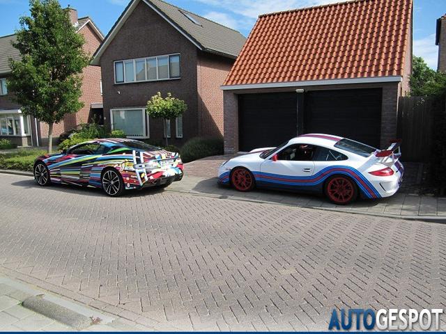 Primeur: Aston Martin DBS Carbon Black Edition