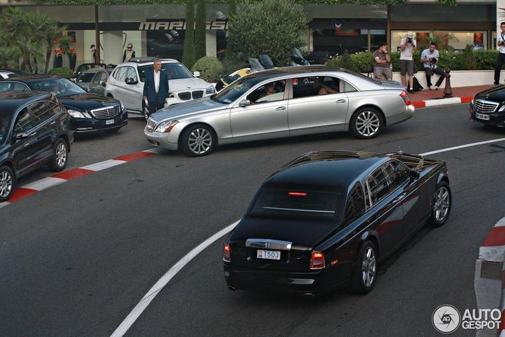 Maybach 62S laat z'n lengte goed zien in Monaco