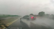 Video: BMW M3 crashes in the rain
