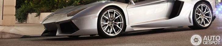 Lamborghini Aventador em força no Autogespot!
