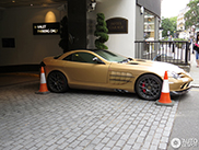 Matte golden SLR appears in London!