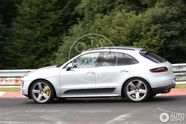 Spyshots Porsche Macan Gts
