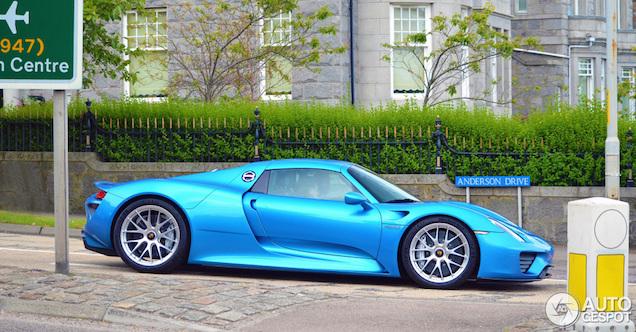 Porsche 918 Spyder heeft de blues in Schotland