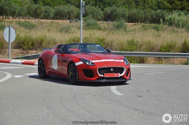 Jaguar F-Type heeft een bult in Spanje