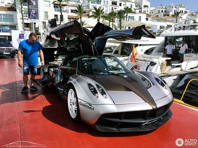 Stralend in het zonnetje: Pagani Huayra