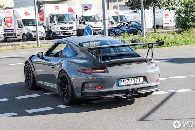 Porsche 991 GT3 RS ziet er fantastisch uit in Nardo Grey