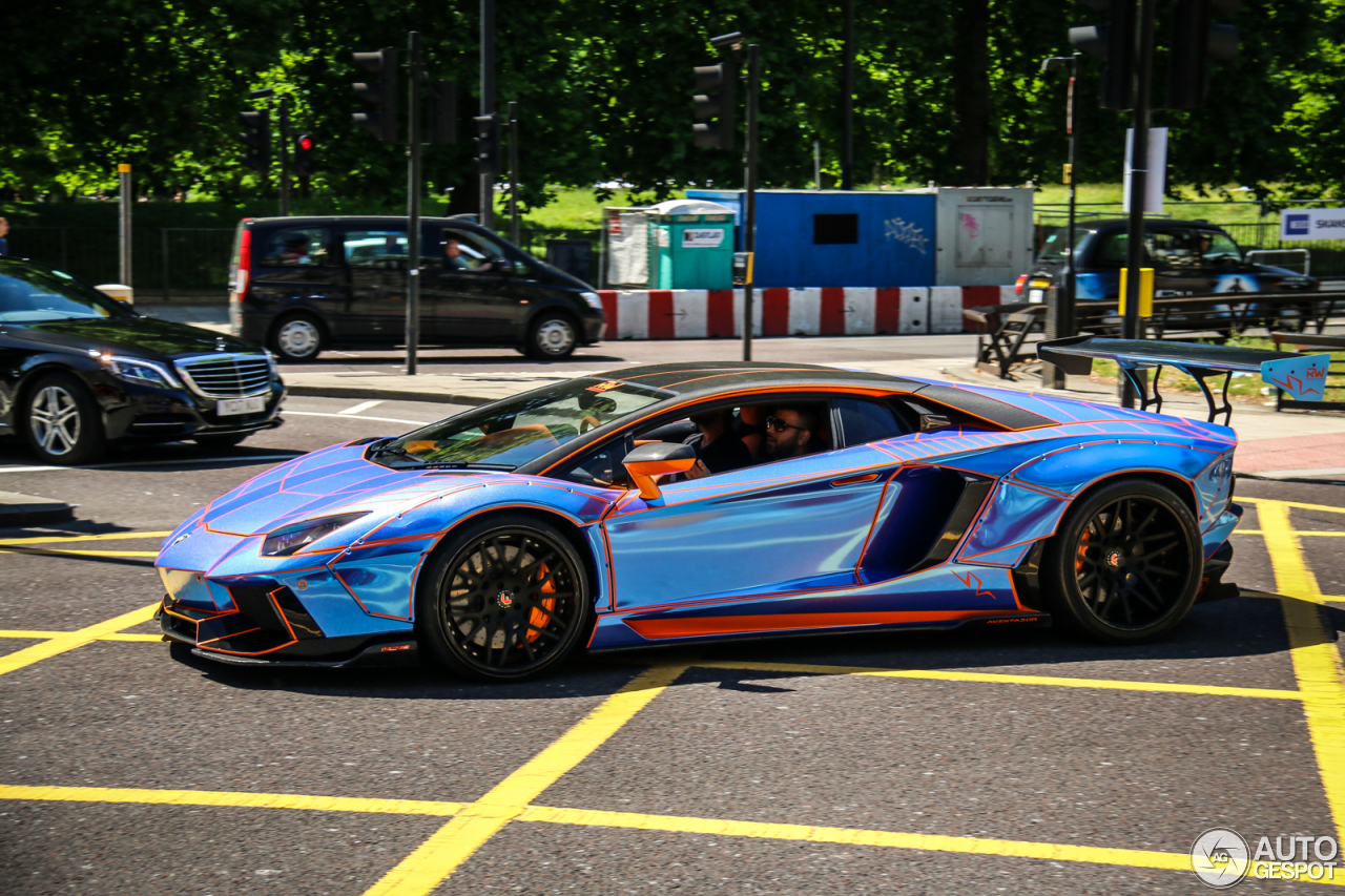 Gespot: Libertywalk Lamborghini Aventador SV in London