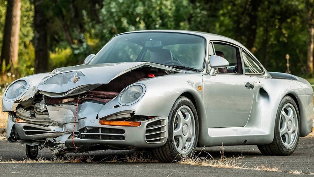 Koop deze gehavende Porsche 959 in Monterey