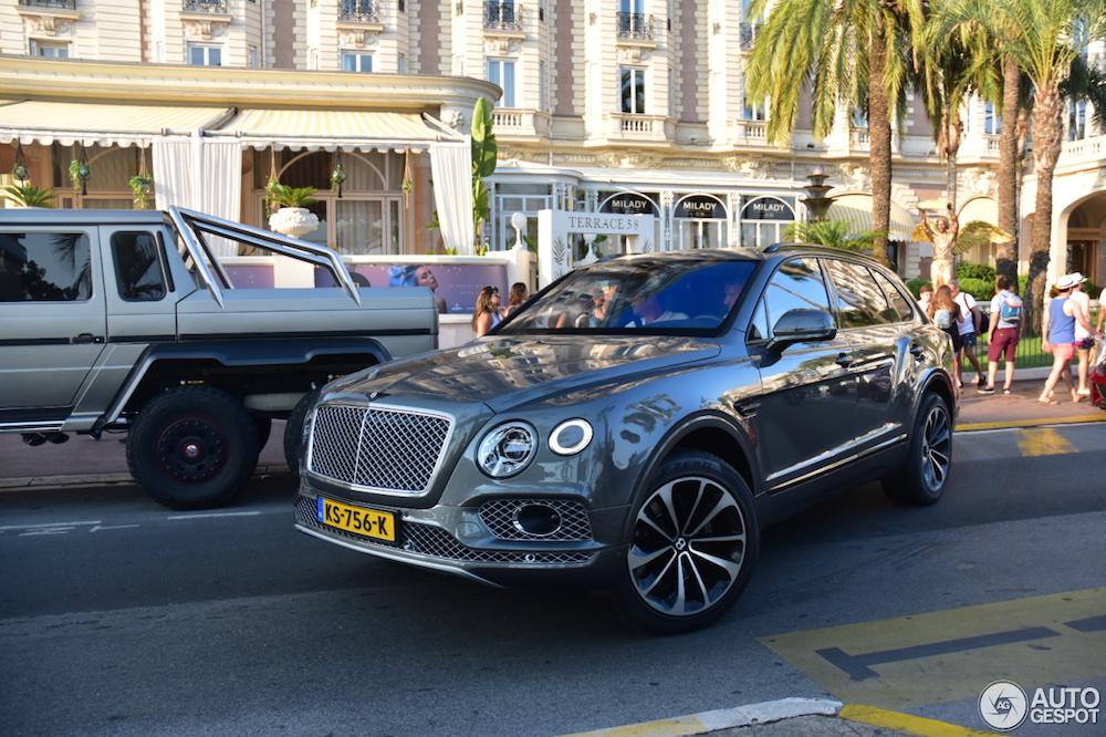 Gespot: op vakantie met de Bentley Bentayga