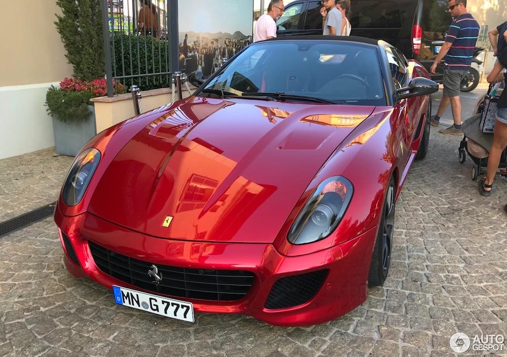 Ferrari SA Aperta is graag geziene gast op Autogespot