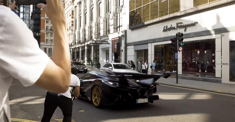 Filmpje: Apollo IE brult door Londen