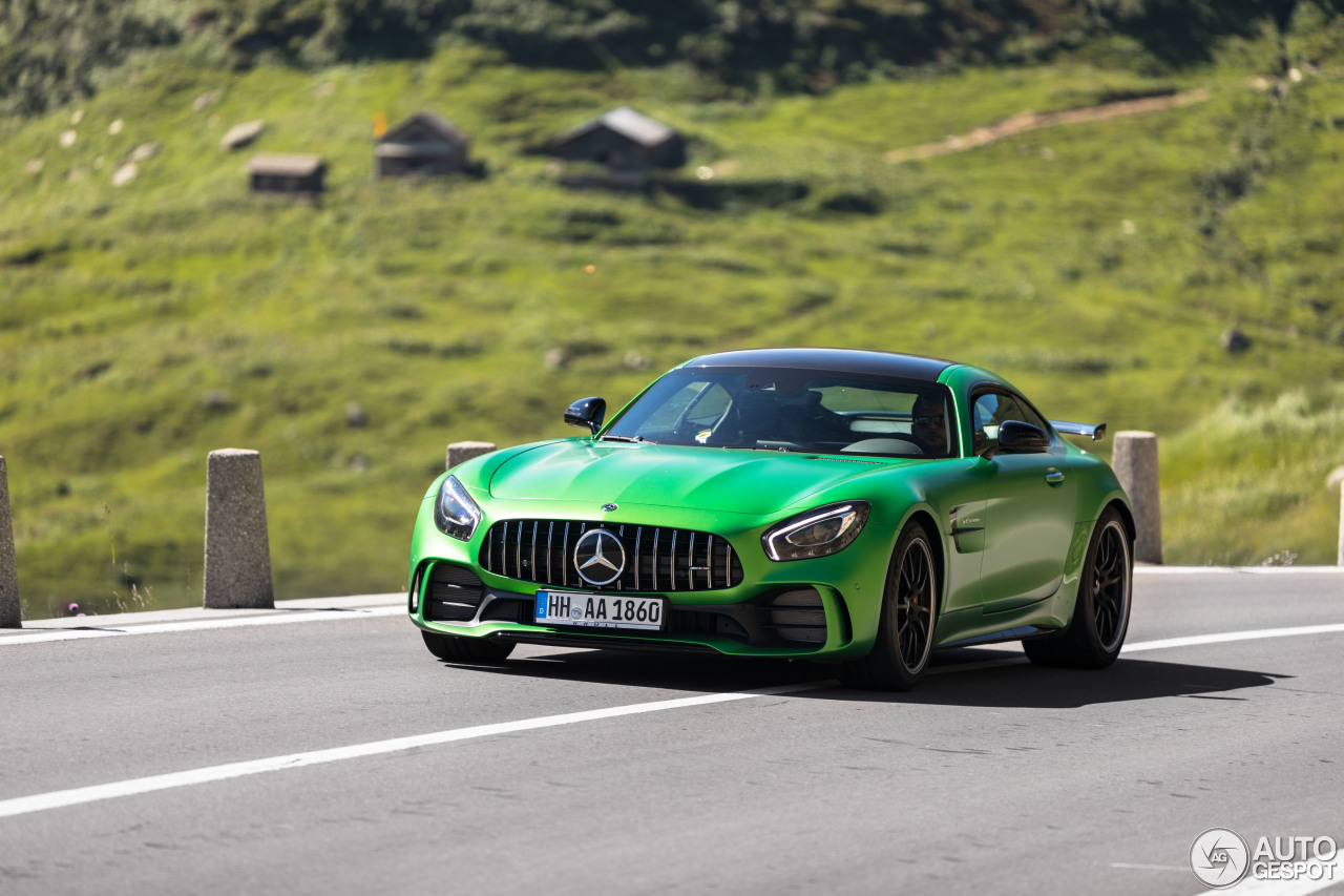 Mercedes-AMG GT R fabelachtig vastgelegd