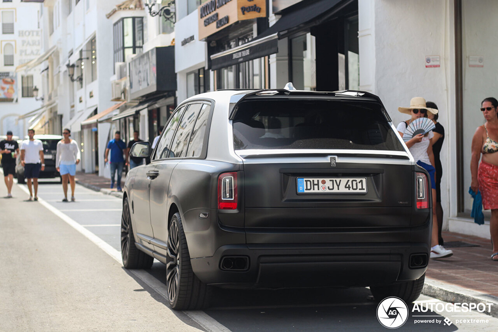 Rolls-Royce Cullinan độ nhẹ nhàng tại Marbella