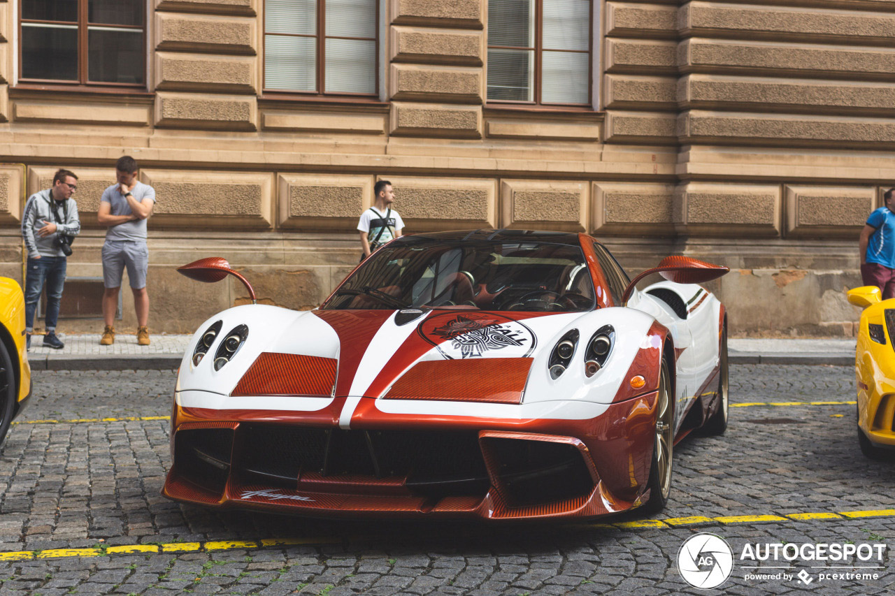 One-Off Pagani Huayra Lampo gespot in Praag
