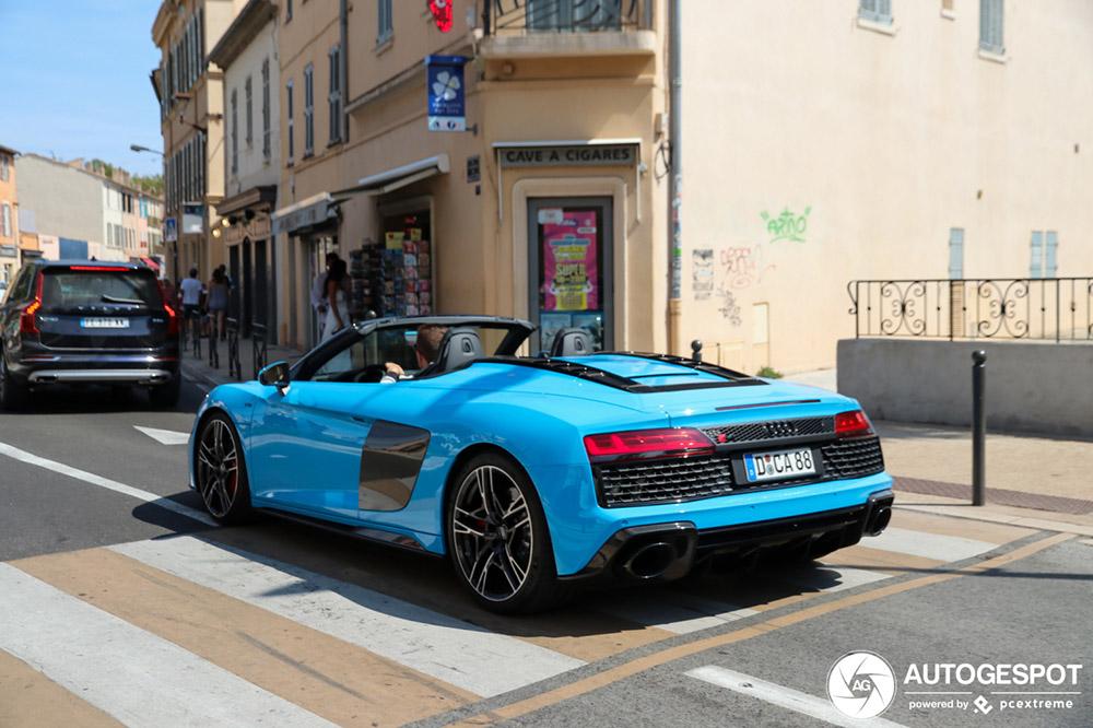 Audi R8 V10 Spyder heeft de reis naar St Tropez gemaakt