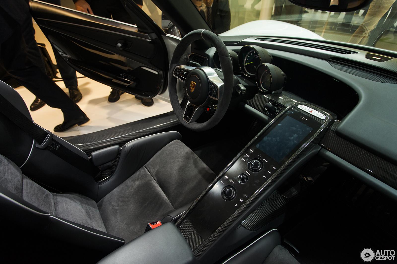 Iaa 2013 porsche 918 spyder - Porsche 918 interior ...