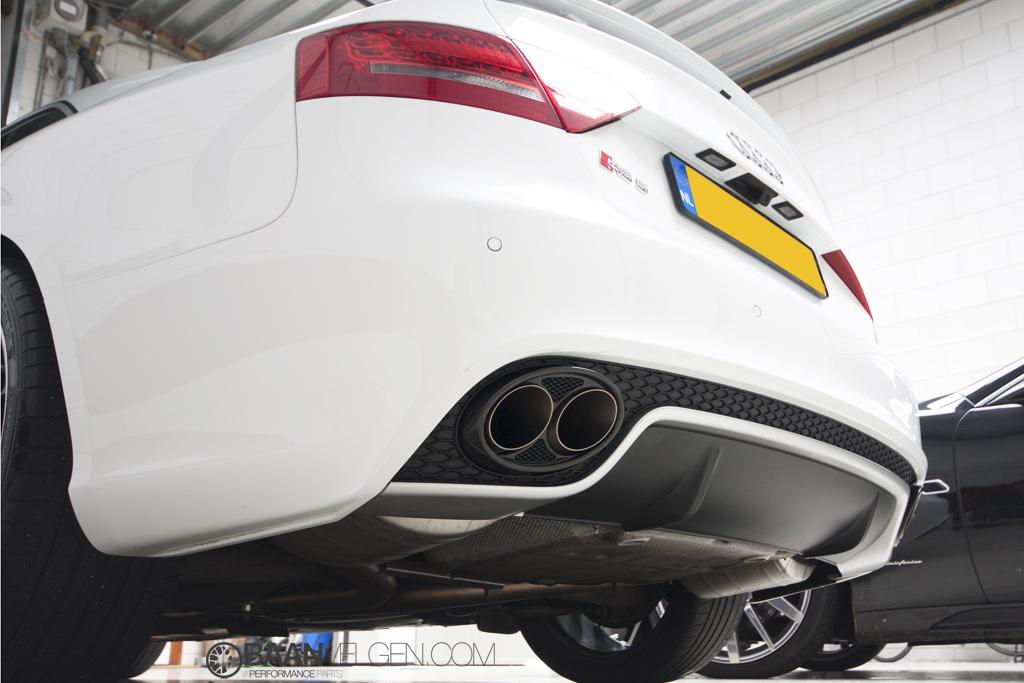 Baanvelgen: Akrapovic Evolution uitlaat voor Audi RS4 en RS5 B8