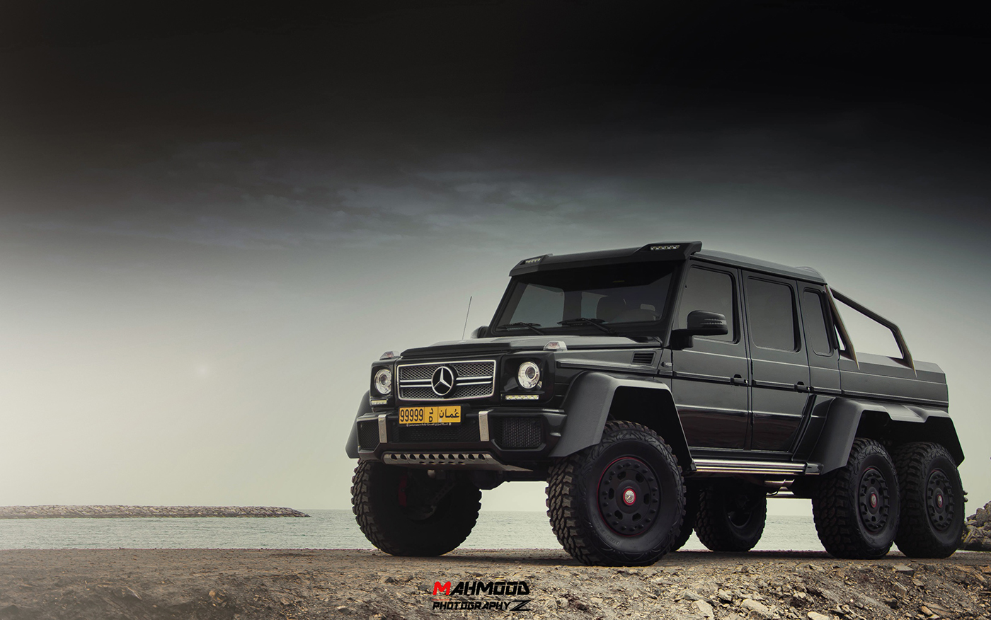 Owner Heads Into The Desert With His Mercedes Benz G 63 6x6