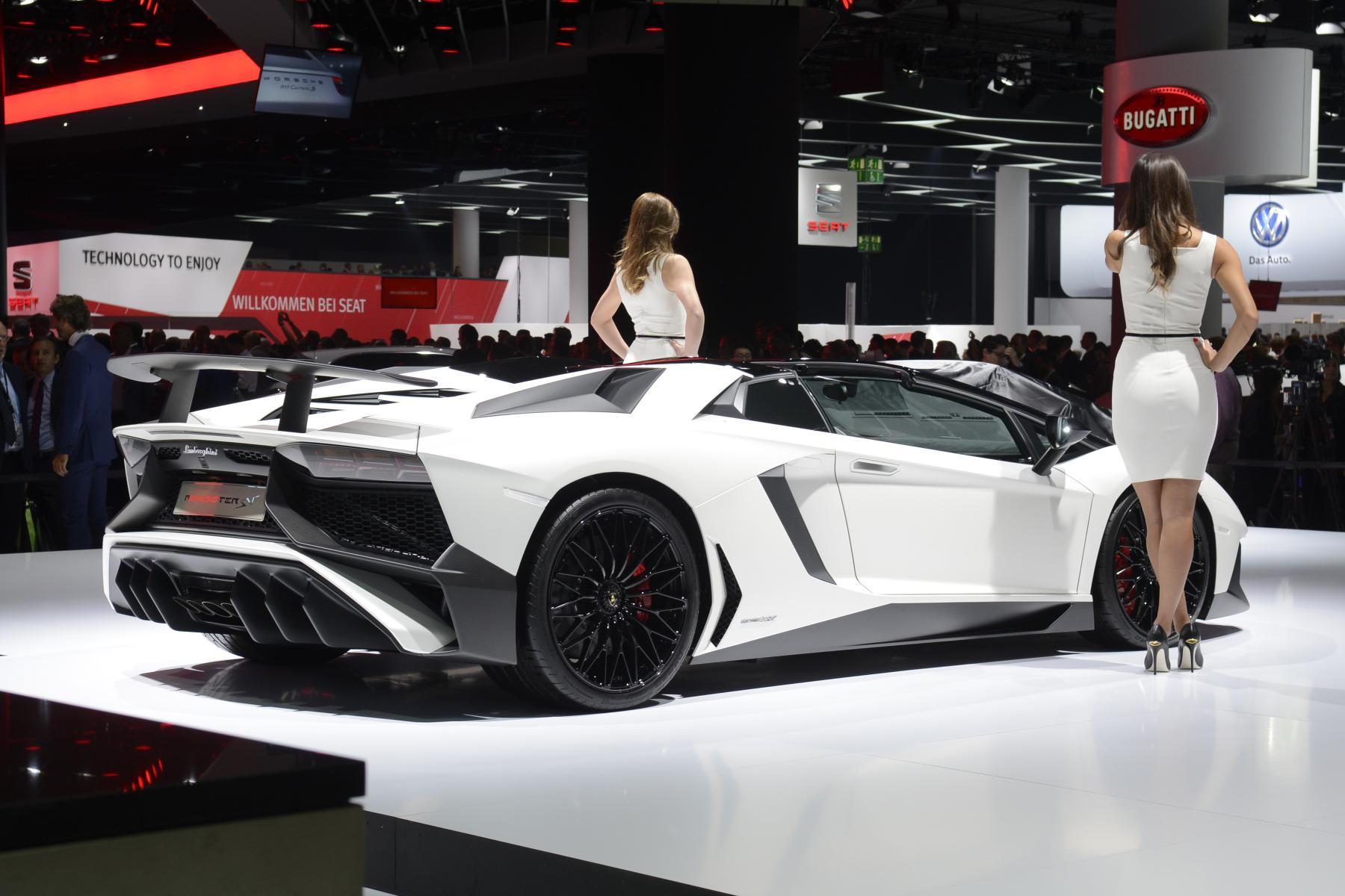 Iaa 2015 Lamborghini Aventador Sv Roadster