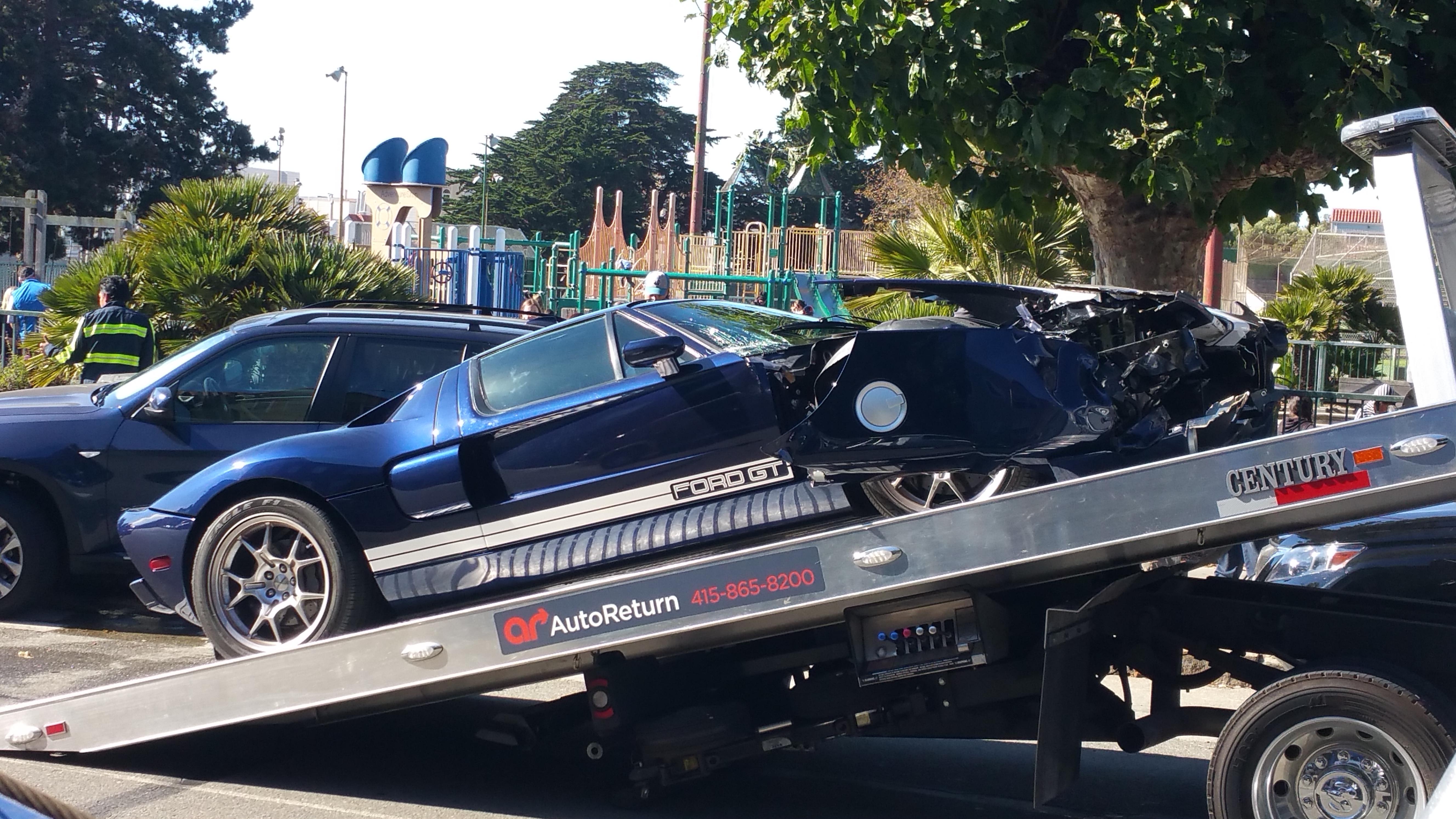 Beschonken Bestuurder Crasht Ford Gt In San Francisco