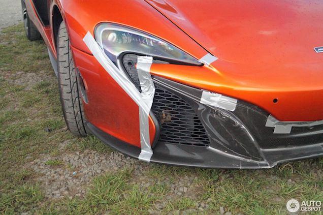 McLaren 650S Spider heeft een tik gehad op de Ring