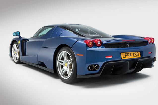 Onder de hamer voor 2,4 miljoen dollar: blauwe Ferrari Enzo