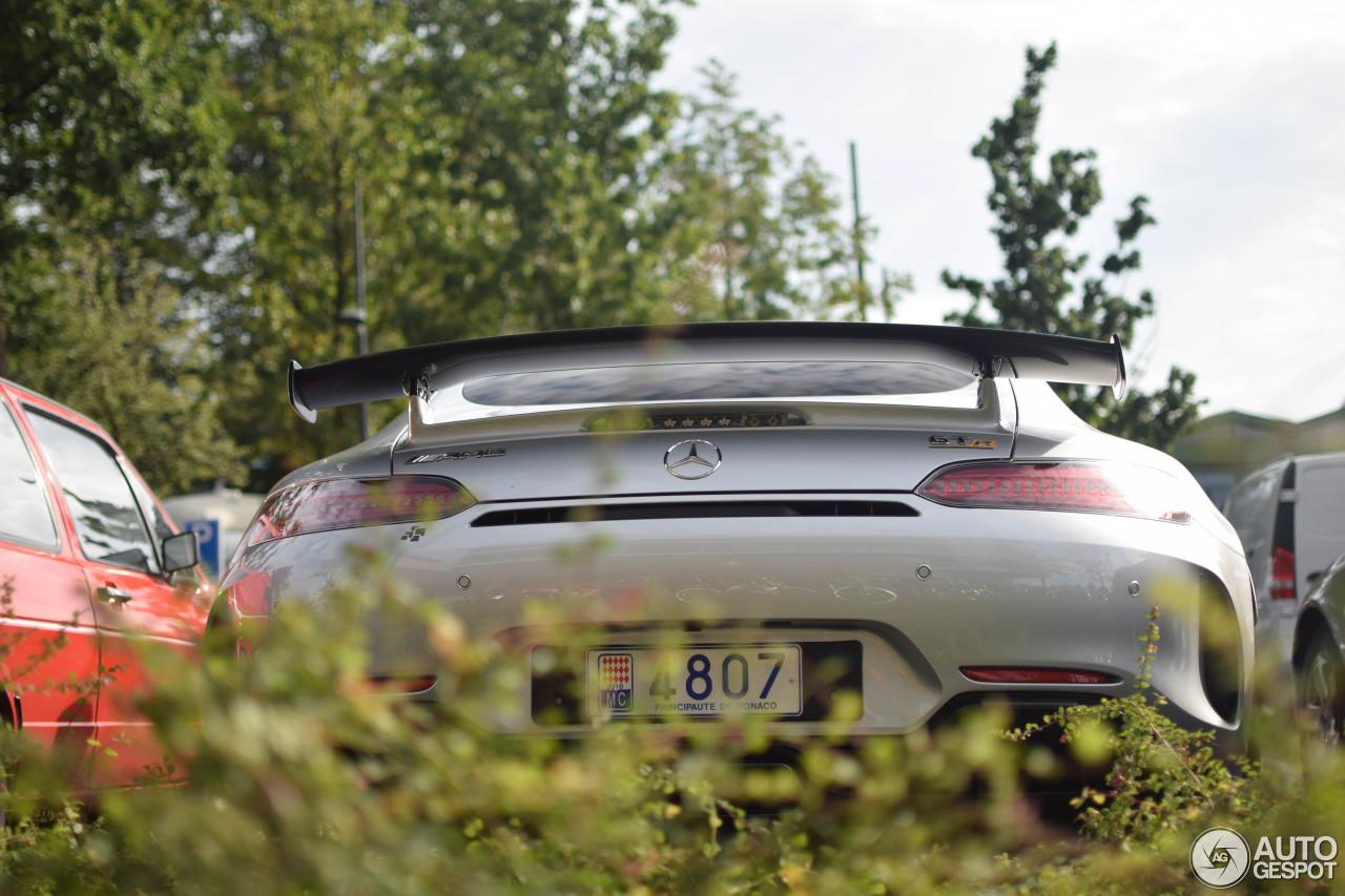 Exotische AMG GT R doet Emmen aan