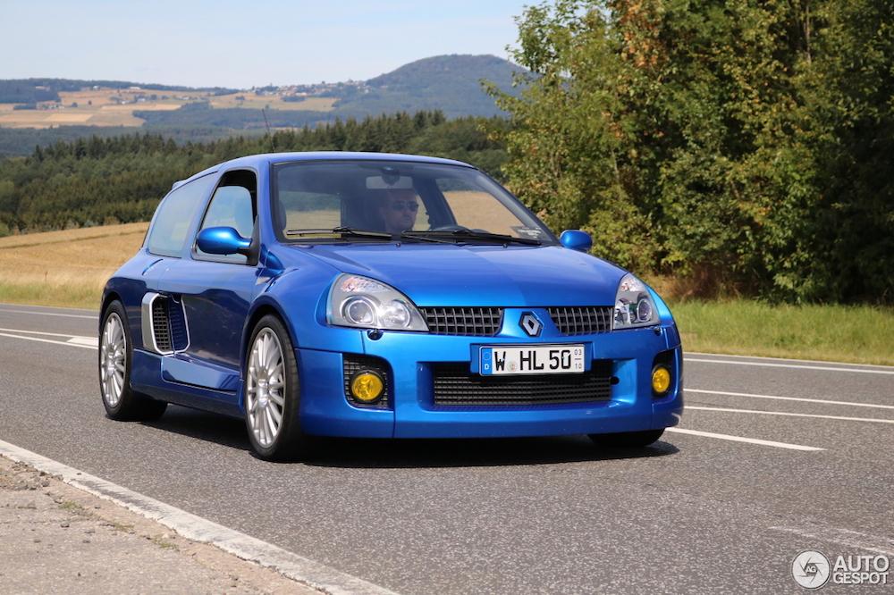 Renault Clio V6 Phase II: de onhandelbare hot-hatch