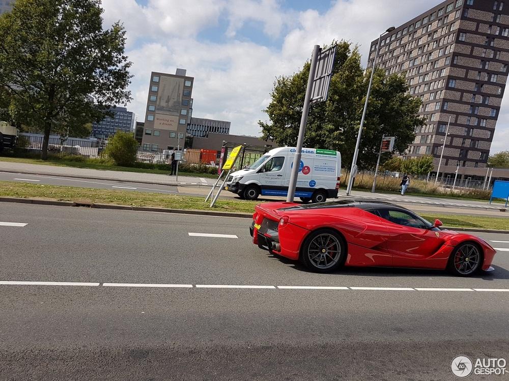 Spot van de dag: Ferrari LaFerrari op Nederlands kenteken