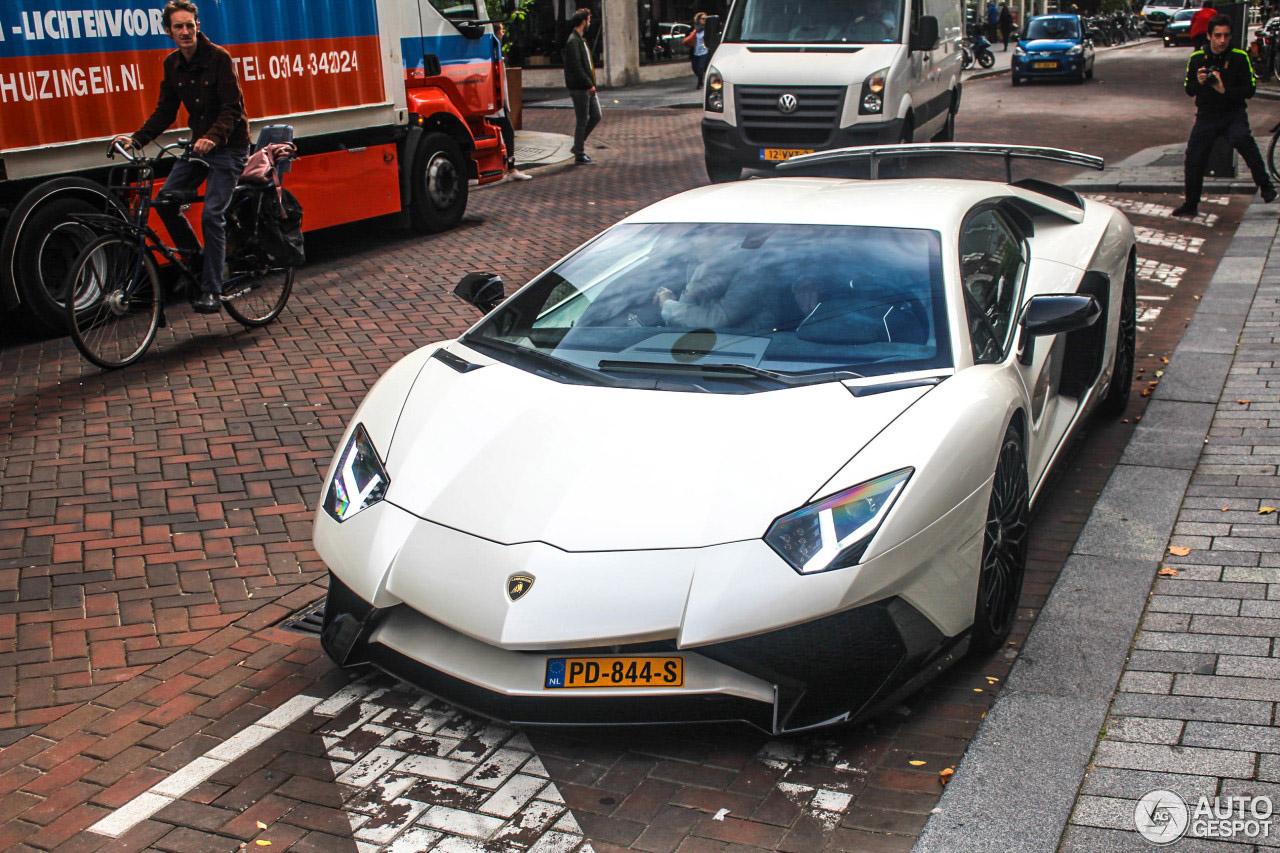 Nederland is weer een Lamborghini Aventador LP750-4 SV rijker