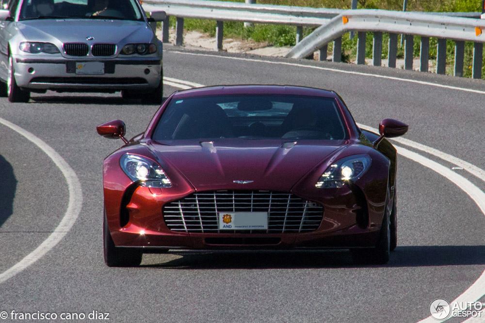 Prachtige Aston Martin One-77 gespot in Spanje