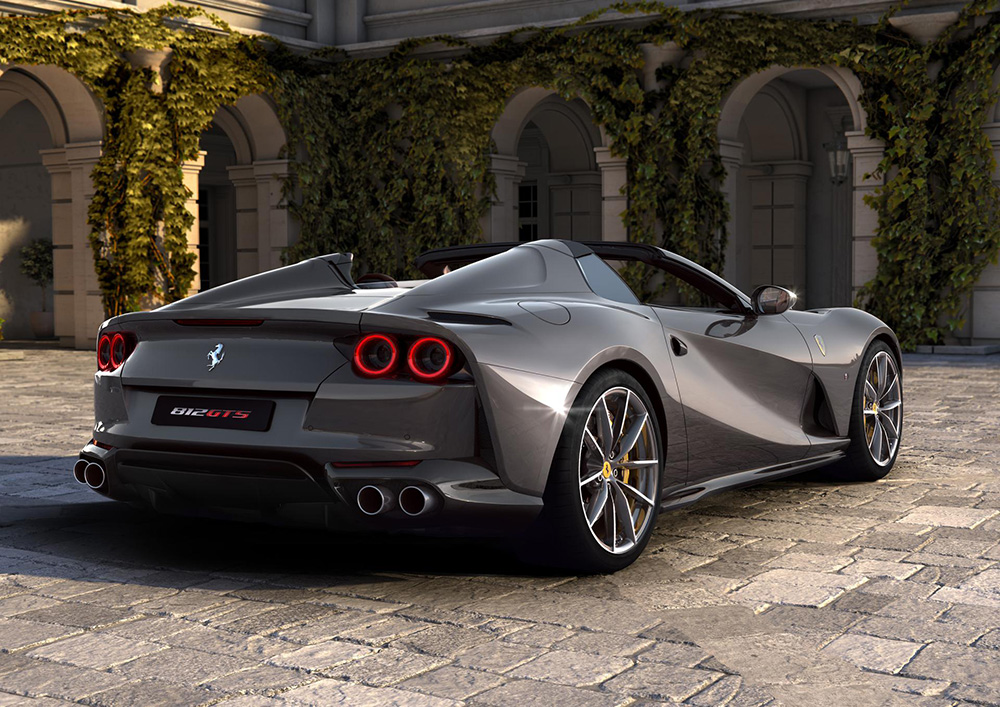 Ferrari 812 GTS: the V12 spider returns