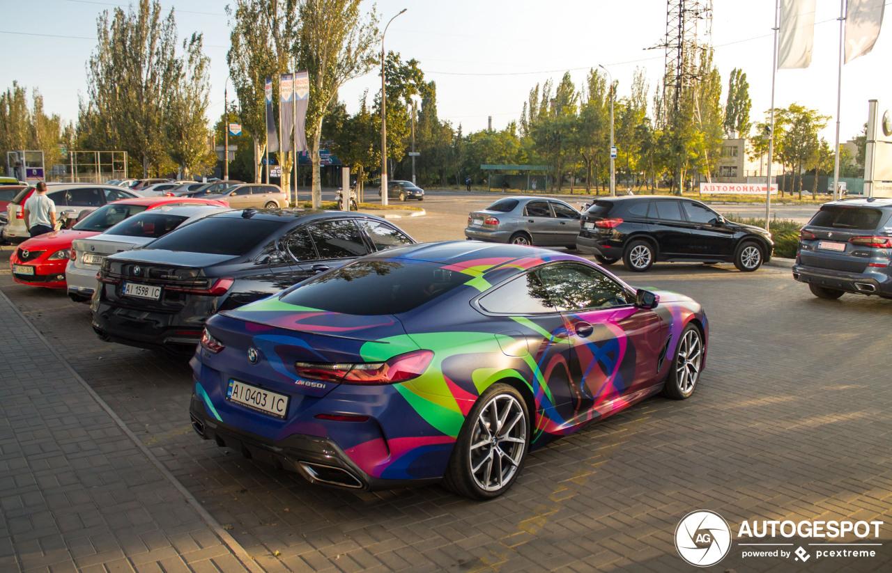 BMW M850i geeft kleur aan Oekraïne