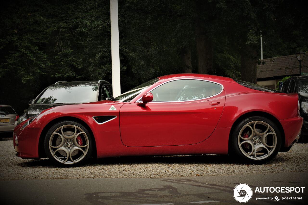 Spot van de dag: Alfa Romeo 8C Competizione