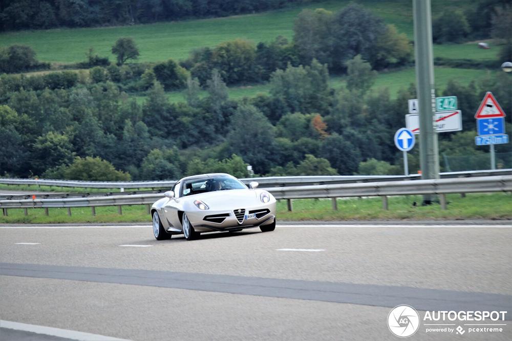 Alfa Romeo Disco Volante Spyder gespot op weg naar Formule 1