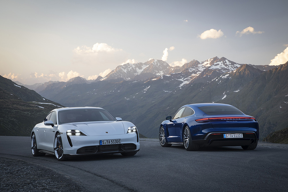 Here is the Porsche Taycan Turbo and Turbo S!